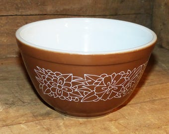 Pyrex Bowl Vintage Woodland  Brown Design - 860