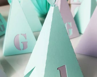 Teepee with Indian-grey-green - 210 g - personalized - name, age - feathers