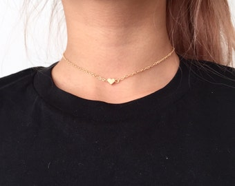 Dainty choker with small heart