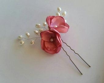 Pink flower hair pin, bridesmaid hair accessory, pearl hair pin, pearl spray