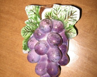 Grape Cluster Wallpocket...Vintage Kitchen Fun