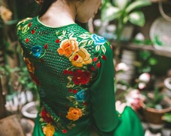 green tunic dress, tunic dress, plus size tunic, green holiday dress, ao dai, kimono, hanbok, cheongsam, qipao. Includes satin pants.
