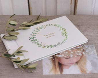 Small custom photo album, linen with wreath, wedding album, guest book, parents album, newborn