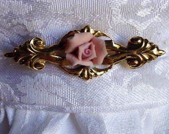 Vintage porcelain rose brooch/stock pin. FREE shipping in the USA!