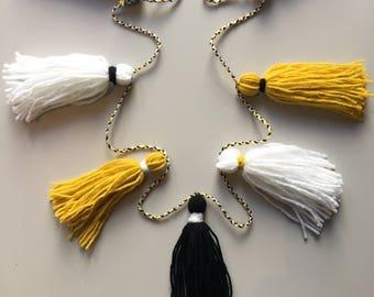 Yarn tassels (price per tassel)