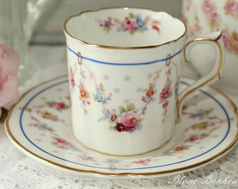 Royal Crown Derby ''Merlrose'', England: Hand painted demitasse and saucer