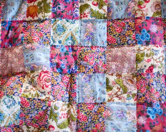 lap quilt, throw quilt, handquilted quilt, patchwork quilt, upcycled quilt, crazy quilt, quilt, vintage quilt, floral, throw blanket