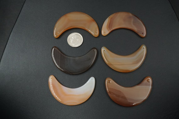 Lot of 6 Crescent Moon Shaped Smooth Agate Stones A-3
