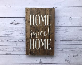Home Sweet Home Sign. Pallet Wood Sign. Pallet Sign. Farmhouse Decor. Rustic Wall Art. Pallet Wood. Fixer Upper. Wall Decor. Rustic Decor.