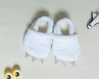 Monster slippers | Baby shoes | White and furry | Warm and cozy