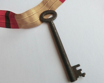 Antique Skeleton Key European Steampunk Supplies