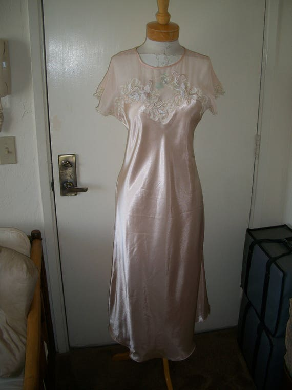 Items Similar To Vintage 1920 S Flapper Style Liquid Satin