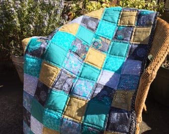 Handmade Patchwork Quilt, Lap Quilt, green coloured quilt,