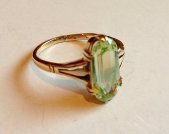 Art Deco 14K Yellow Gold Peridot Ring