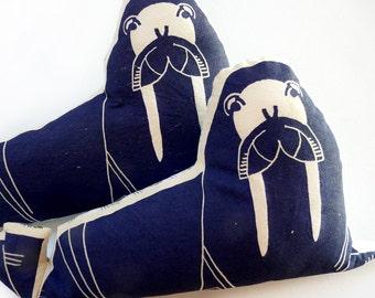 MORSE, sérigraphié | MERMADE | toile de coton et tissu recyclé | doudou, coussin décoratif | MER
