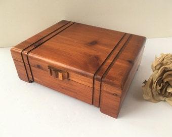 Vintage Wood Box / Wood Box / Wooden Box / Wood Trinket Box / Wood Keepsake Box / Keepsake Box / Mens Gift / Mens Box