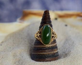 14 Karat Yellow Gold Jade Gemstone Vintage Ring, US Size 6.0, Used Vintage Jewelry