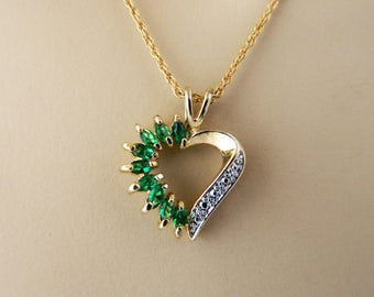 Vintage Avon OS Heart Pendant Choker Necklace Rhinestone Green Gold Tone Signed
