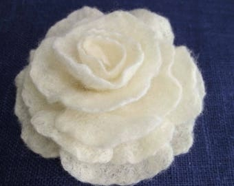 Felted flower brooch, Felted rose, Wool Felt Jewelry, Felt Flower Pin, Wool Brooch