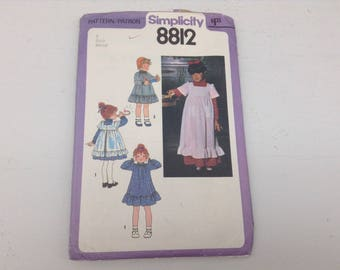 VIN 16-   1978 Child's Dress and Pinafore in Two Lengths, Size 6, Uncut Pattern, Simplicity Sewing #8812
