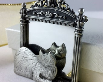 Vintage Cat Brooch - Cat Looking in Mirror Pin - JJ Jonette Jewelry - Cat Lover Gift - Mother's Day Present - Estate Jewelry