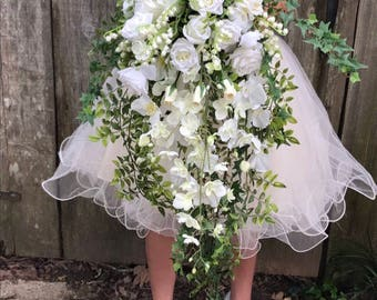 "Cascading ""Princess Diana"" replica wedding bouquet"