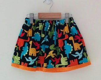 size 3 dinosaur skirt with elasticised waist and contrast trim and internal pockets *READY TO POST*