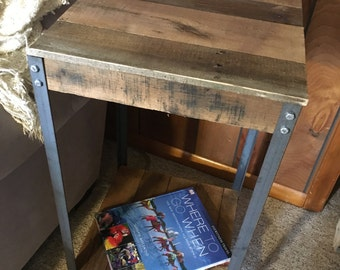 Side Table (shipping included)
