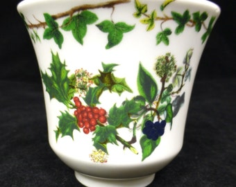 Portmeirion Holly and Ivy Decorative China Pot