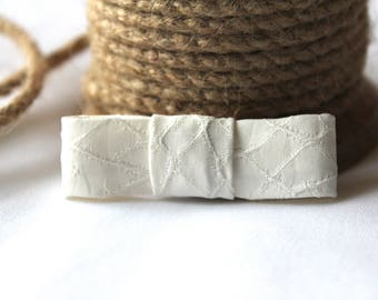 baby girl white hair bow - delicate bow - white texture bow - sustainable baby bow - white bow headband