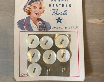 Vintage Bonnie Heather Pearls Buttons Pearl Carved