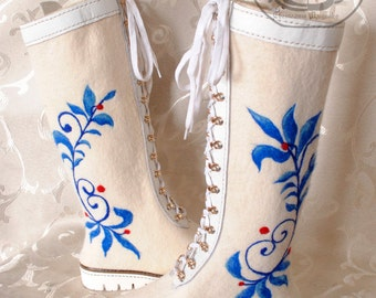 Shoes for winter, warm shoes, winter, womens shoes, boots, felt boots, wool shoes,handmade shoes,white boots, white shoes, white color.