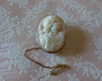 Antique 9 Carat Gold Shell Cameo Brooch, Gift for Her, Birthday Gift, Antique Jewellery