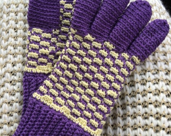 Gloves in Your Birthmonth Colors Made of Wool or Acrylic Yarn