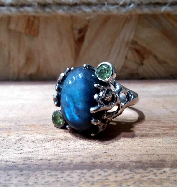 Labradorite Ring, Labradorite Jewellery, Labradorite Gemstone, 925 Silver Ring, Peridot Ring, Blue Fire Labradorite, Unique Ring, Jewellery