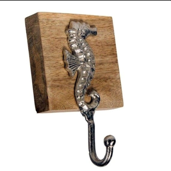 Seahorse hooks, wall hooks, keychain holder, jewelry holder, Sea horse decor, nautical decor, beach decor, necklace holder