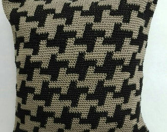 Cushions crochet Houndstooth patterns including filling, zip. Cotton