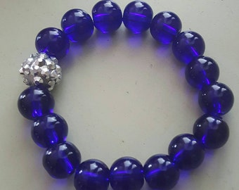 Cobalt blue glass w/blingy bead bracelet  10mm