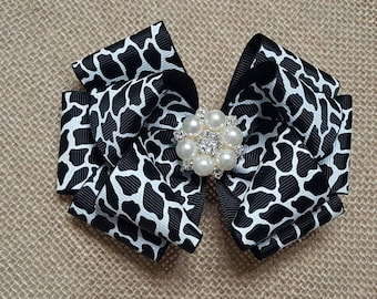 Boutique bow, boutique hair bow, black hair bow