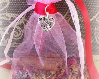 Love Mojo Bag, Love Amulet Bag, Love Spells, Herbal Bag, Gris Gris Bag, Sachet Bag, Witchcraft Supplies, Wicca