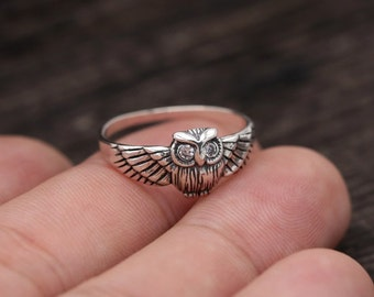 Ring Owl. Silver ring. Ring with white zircons. Silver owl. Silver ring owl.