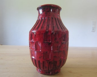 Vintage 60s red glazed Sgraffito design vase