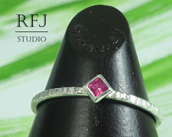 Kite Synthetic Ruby Textured Silver Ring, July Birthstone Small Square Setting Ring Princess Cut 2x2 mm Pink Corund Engagement Stacked Ring
