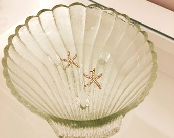 Glass seashell bowl