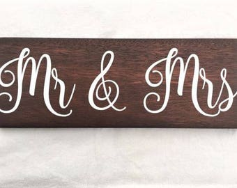 mr and mrs, mr and mrs sign, mr and mrs wedding sign, wedding sign, wooden wedding sign, wedding photo prop, wedding photo booth prop