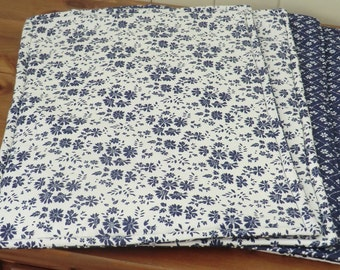 A set of 4 Fabric Placemats
