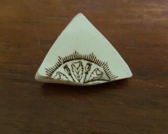 Vintage broken china brooch brown tones