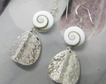 These earrings eye of Shiva on silver hammered jewelry for summer. 25% with code: SOLD17