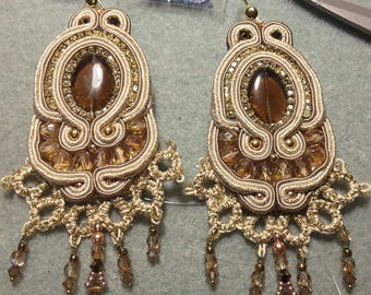 Hanmade soutache earrings. OOAK cream and bronze earrings