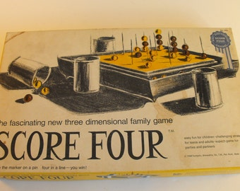 1968 Score Four Game 3 Dimension Tic Tac Toe    (740)